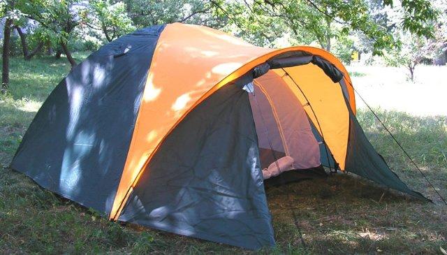 Оборудуем «склад» в походе с помощью палатки