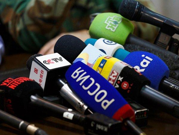 Кобзон, Петросян и Вайкуле: Власти через СМИ пытаются «заглушить вонь» реформ